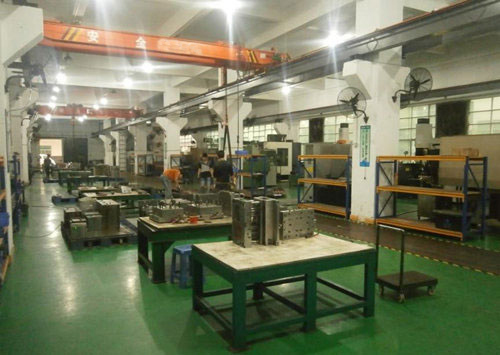 Injection molding tool shops